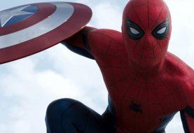 """Les premières critiques de """"Captain America: Civil War"""" sont dans: Tout le monde aime Spider-Man"""
