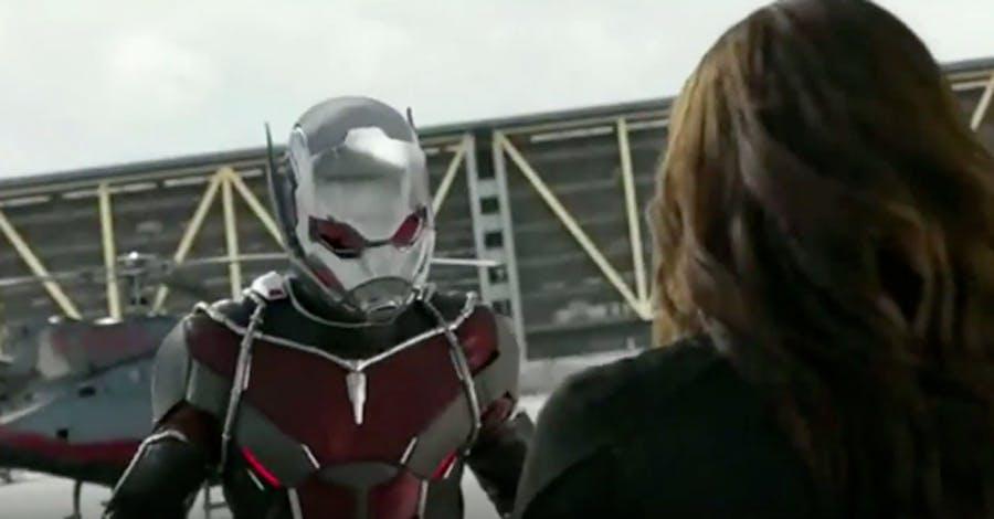 """Ant-Man et Black Widow s'affrontent dans le nouveau spot télévisé """"Captain America: Civil War"""""""