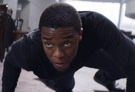 """REGARDER: Bucky et la panthère noire s'affrontent dans le clip """"Captain America: Civil War"""" prolongé"""