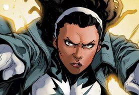 Les photos du capitaine Marvel révèlent le caractère de Lashana Lynch